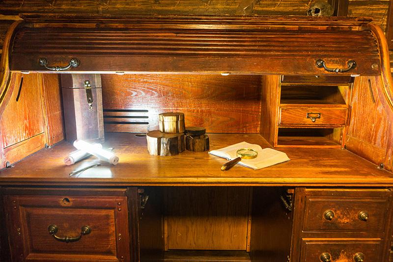 Locked Room Mutiny on the High Seas Room Photo